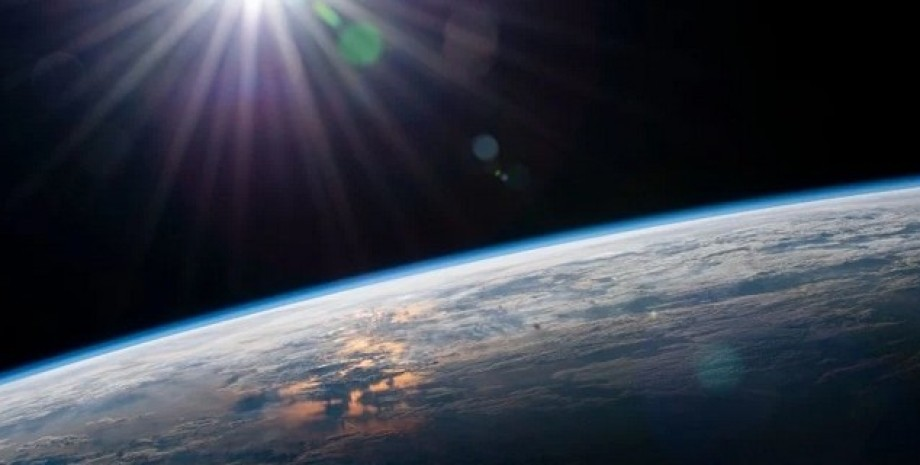 Солнце, Земля, солнечный свет