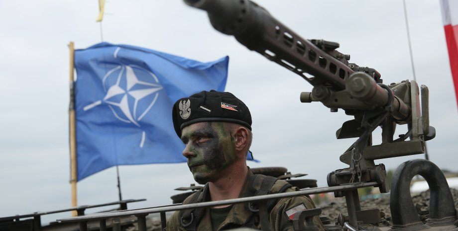 прапор нато, війська нато, нато і Україна