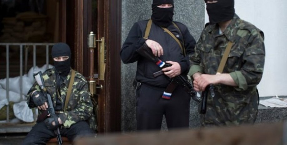 Террористы в Донбассе / AP