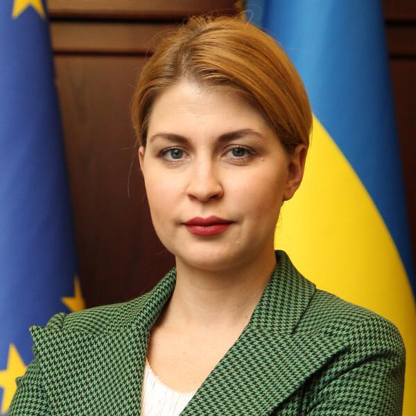Ольга Стефанишина, оценки правительству, рейтинг правительства
