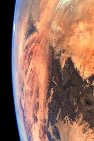 Час зупинитись: людство перетворює Землю на Марс