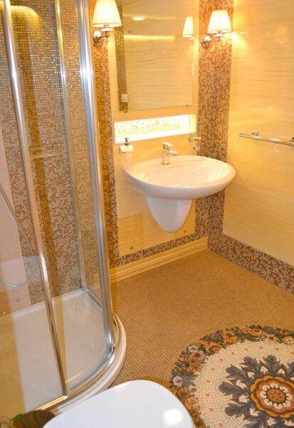 """Как выглядит шикарный VIP-вагон """"Укрзалізниці"""": здесь есть даже душ (Фото)"""